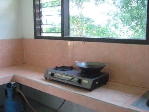Salah dapur di Villa Nova. Contoh di Type G bisa lihat pemandangan di luar....Ada peralatan juga...