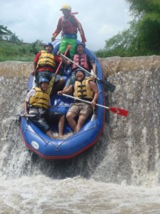 Kaliwatu Rafting, sumber foto web Kaliwatu Rafting