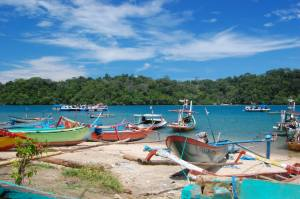 pantai sendangbiru (sumber foto @internet)