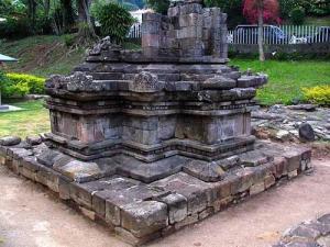 Candi Supo Sebelah Villa Nova Songgoriti Batu Malang